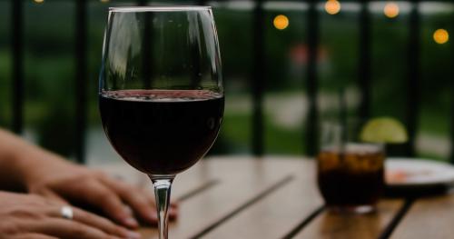 Webinar przy lampce wina - tylko dla dorosłych
