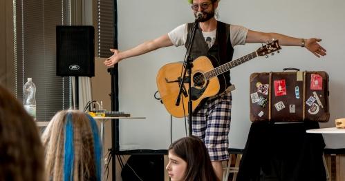 """""""Nasze Instrumenty"""" - Warsztaty muzyczne dla dzieci z Jackiem Kuleszą"""