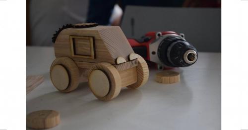 """""""Zbuduj sobie autko z drewna"""" - zajęcia konstrukcyjne"""