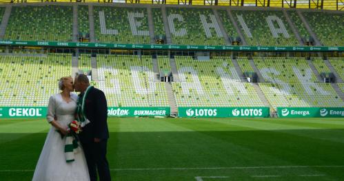 Sesja ślubna na Stadionie Energa Gdańsk