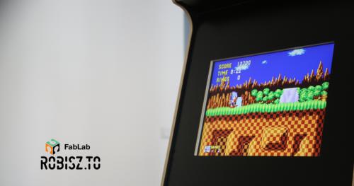 BUDUJESZ: Consola Arcade