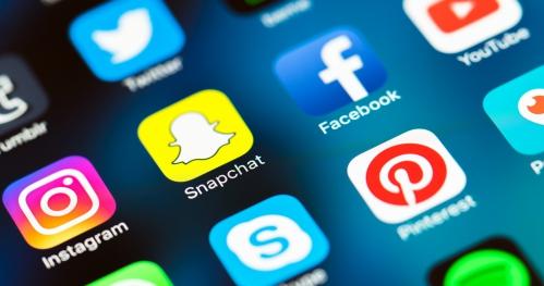SOCIAL MEDIA & TWÓRCY