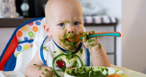 Rozszerzanie diety niemowląt - pierwsze produkty stałe