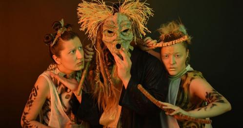 Dwór - Teatr Powidok
