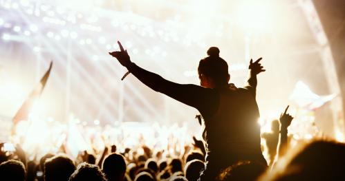 Warsztaty muzyczne: Jeden dzień z życia realizatora dźwięku live Produkcja i realizacja koncertów - kurs online.
