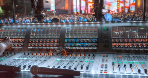 Warsztaty Live Events: Koncertowe systemy nagłośnieniowe. Produkcja i realizacja koncertów - kurs online.